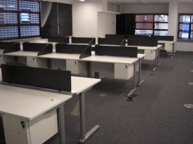 Comprar Mesa para Escritório com Gavetas Santana de Parnaíba - Mesa para Escritório de Madeira