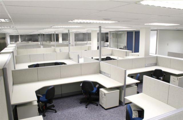 Mesa para Escritório com Divisórias Jandira - Mesa para Escritório de Madeira